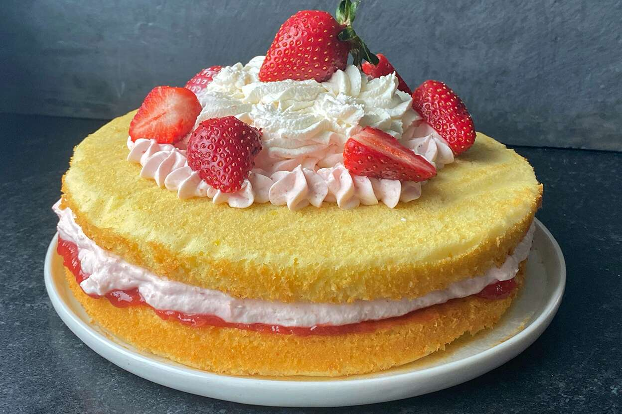 Strawberry Mousse Cake with standard cake pan