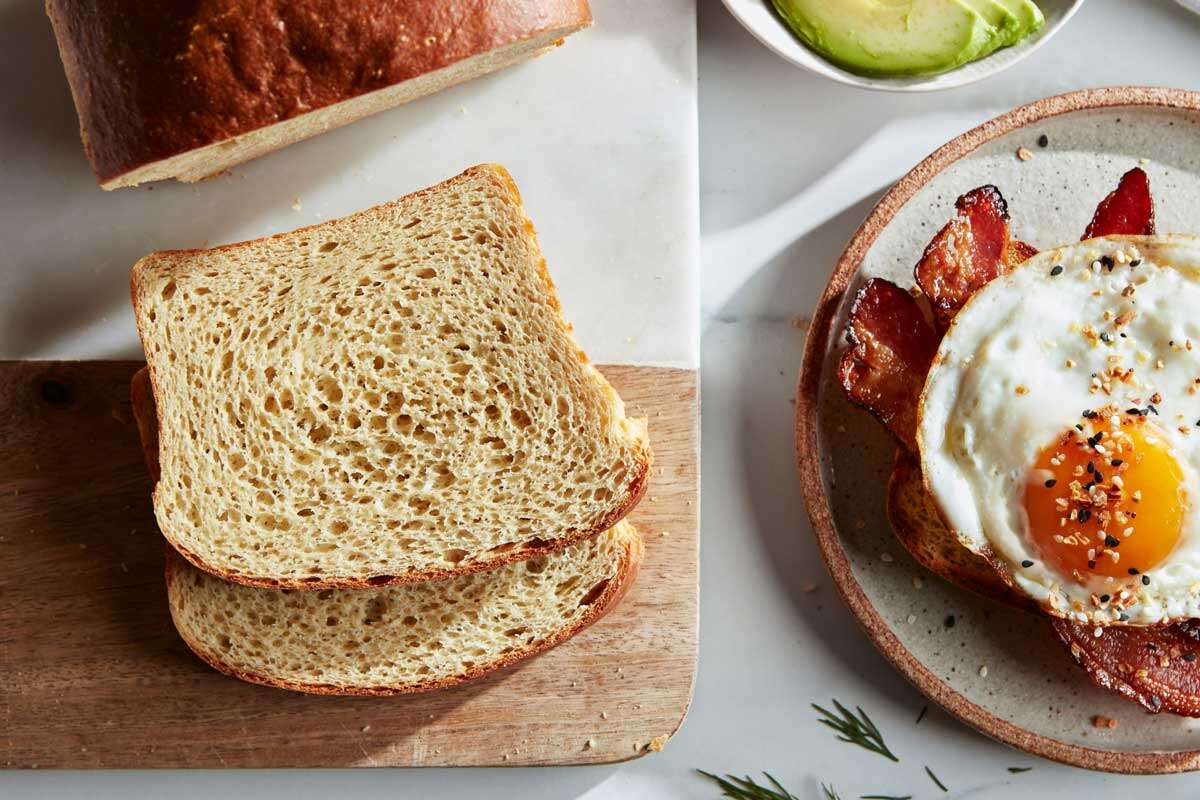 Slices of keto-friendly sandwich bread