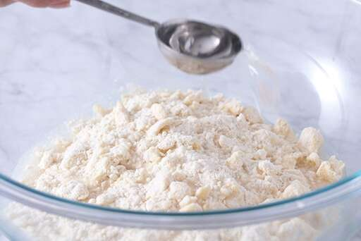 Classic Double Pie Crust – Step 6