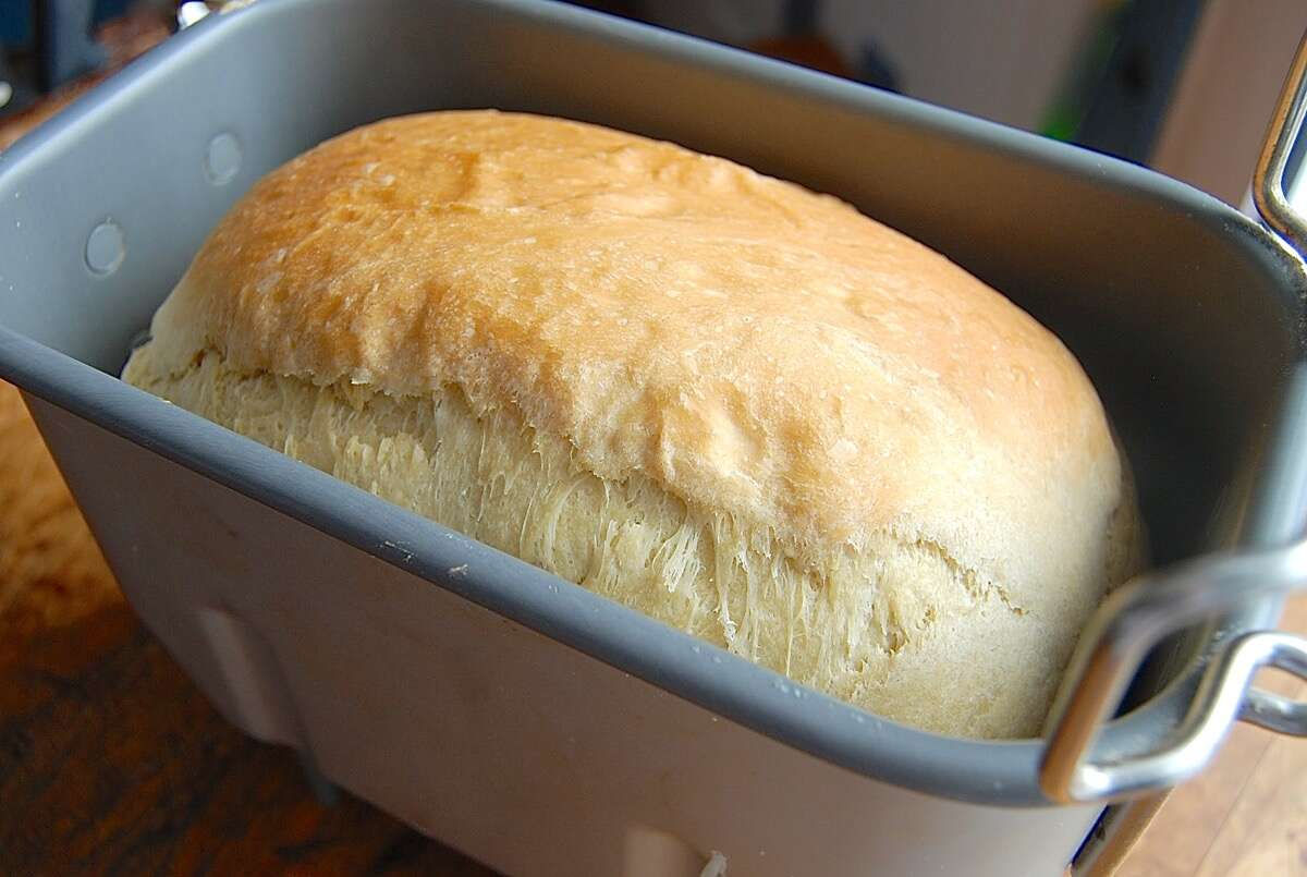 How to convert your favorite recipes to a bread machine ...