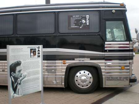 johnny-cash-bus.jpg