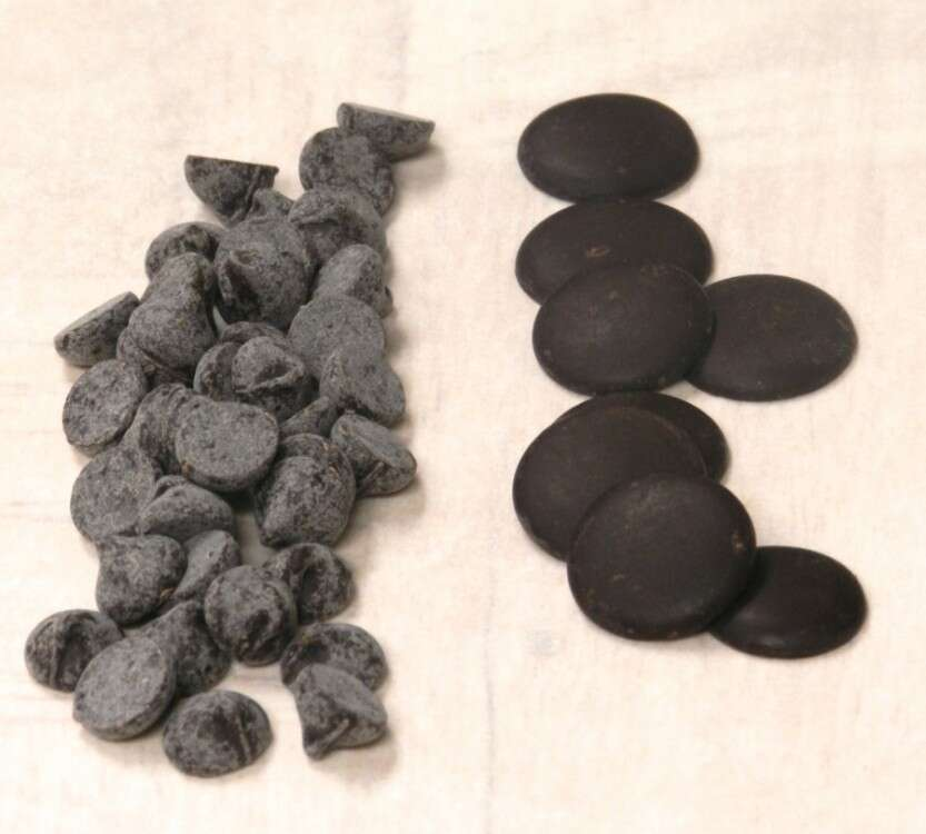 The chips on the left have bloomed; the disks to the right are still in temper.
