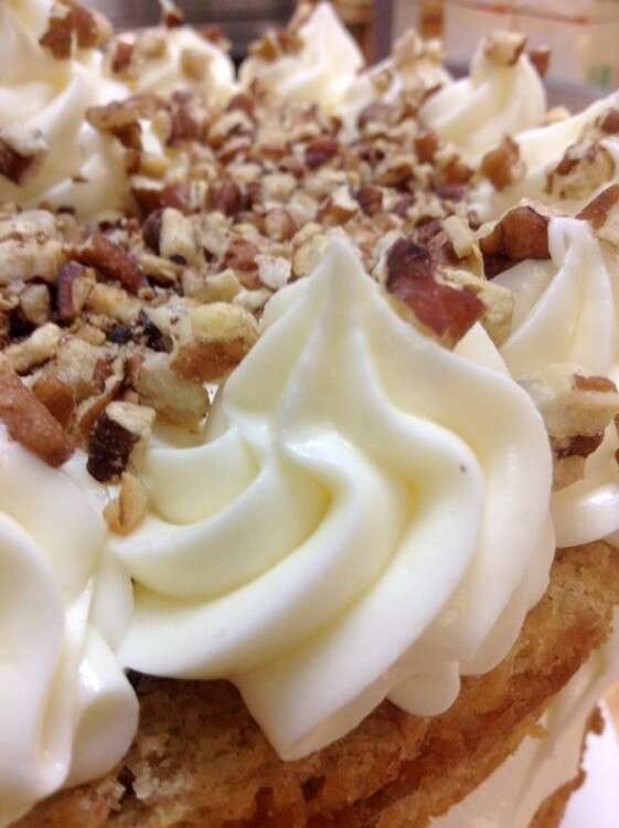 How to make hummingbird cake via @kingarthurflour