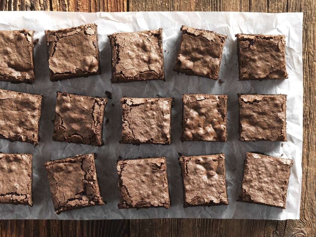 Fudgy Gluten-Free Brownies via @kingarturflour