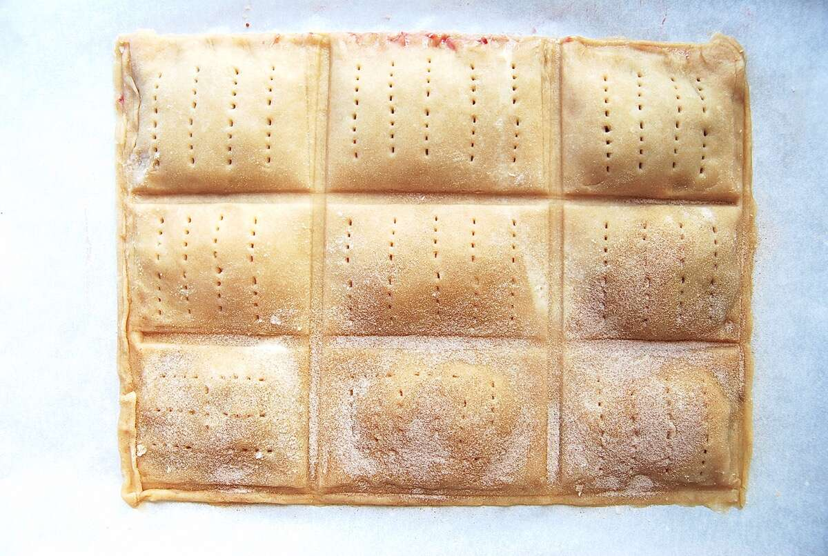 How to make toaster tarts via @kingarthurflour