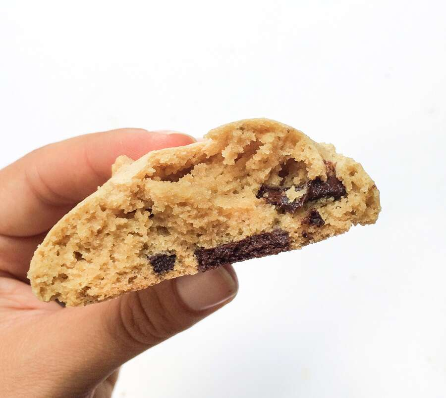 Fat Substitutes in Gluten-Free Baking: Chocolate Chip Cookie Test via @kingarthurflour