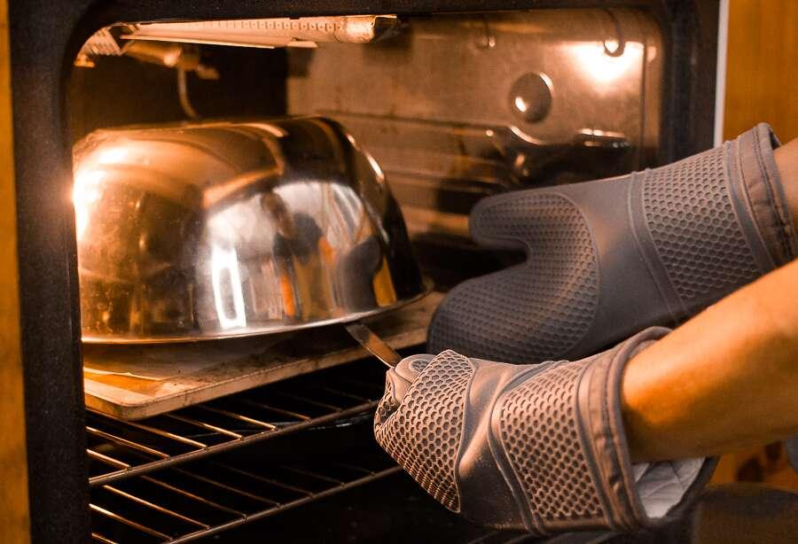 Artisan sourdough bread tips via @kingarthurflour