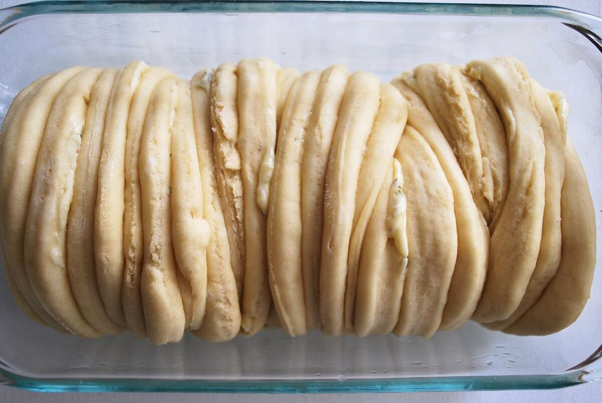 Pull-Apart Breads via @kingarthurflour