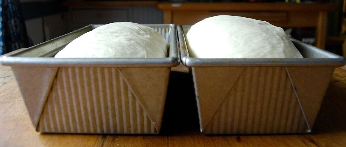 Choosing the Right Bread Pan via @kingarthurflour
