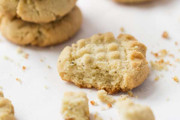 Almond Flour Shortbread Cookies via @kingarthurflour