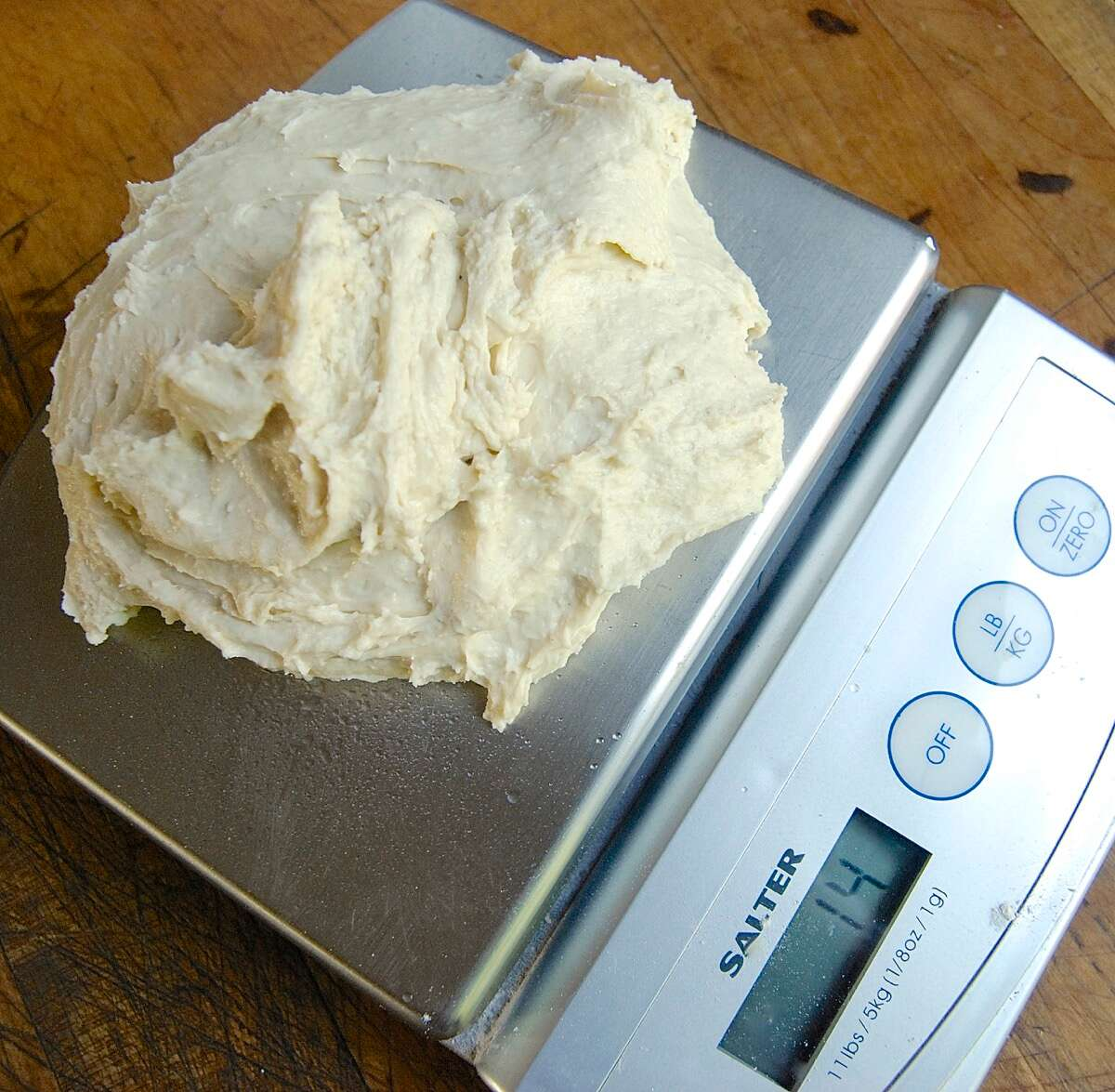Freezing No-Knead Bread Dough via @kingarthurflour
