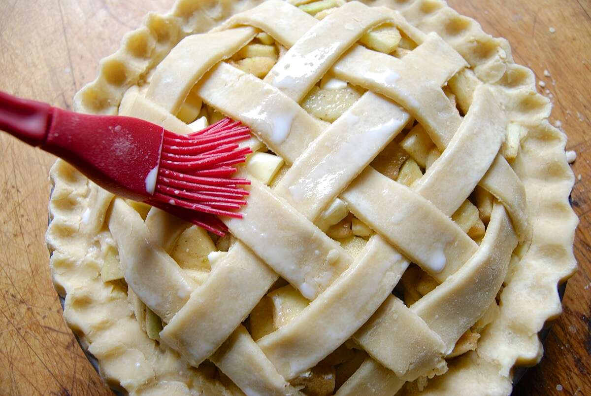 Apple Pie Bakealong via @kingarthurflour