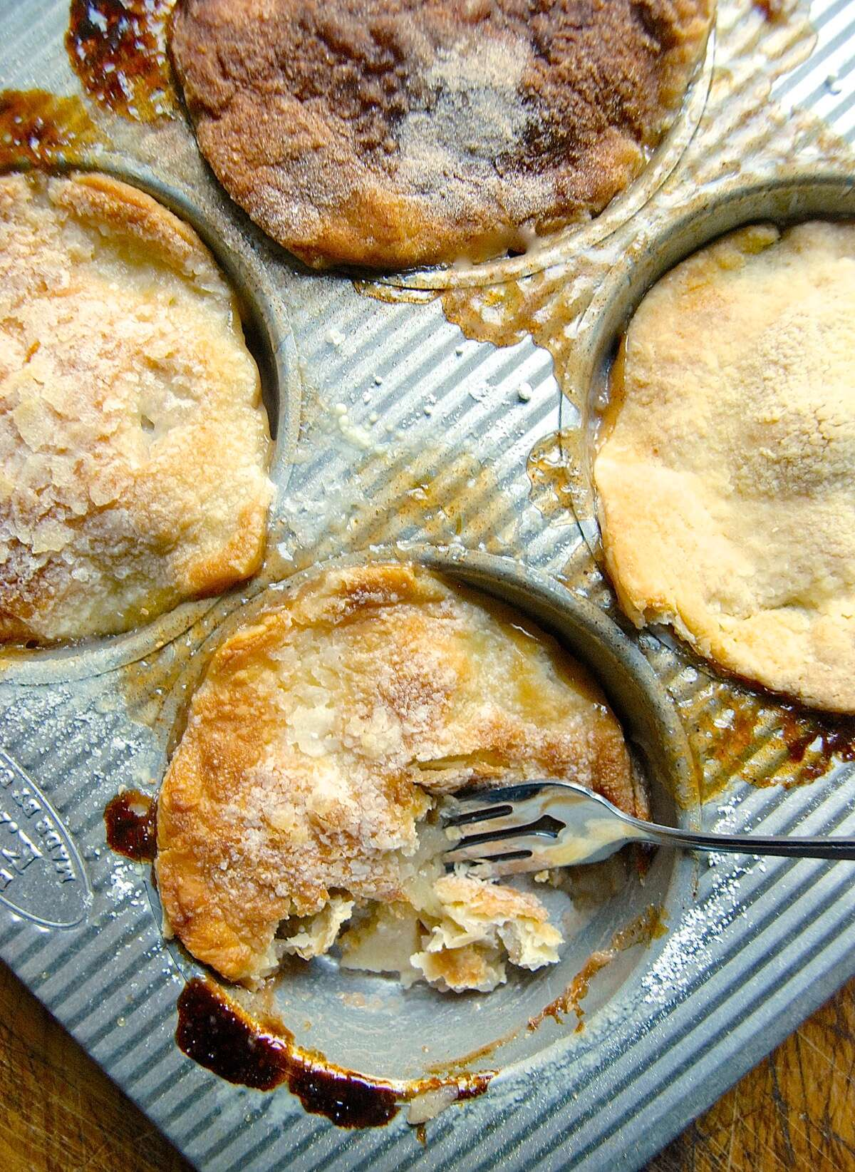 Topping pie crust via @kingarthurflour