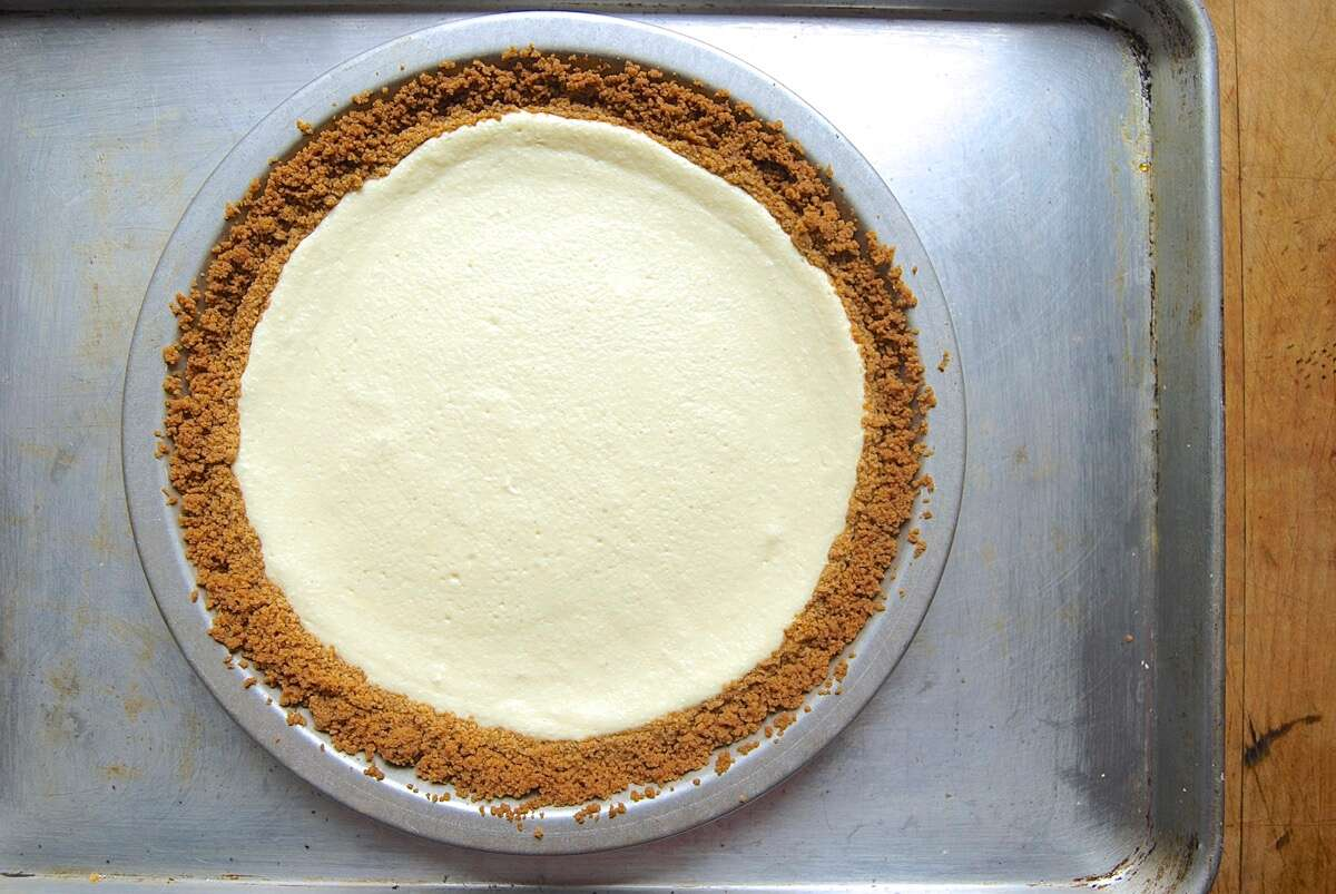 Easy Cheesecake via @kingarthurflour