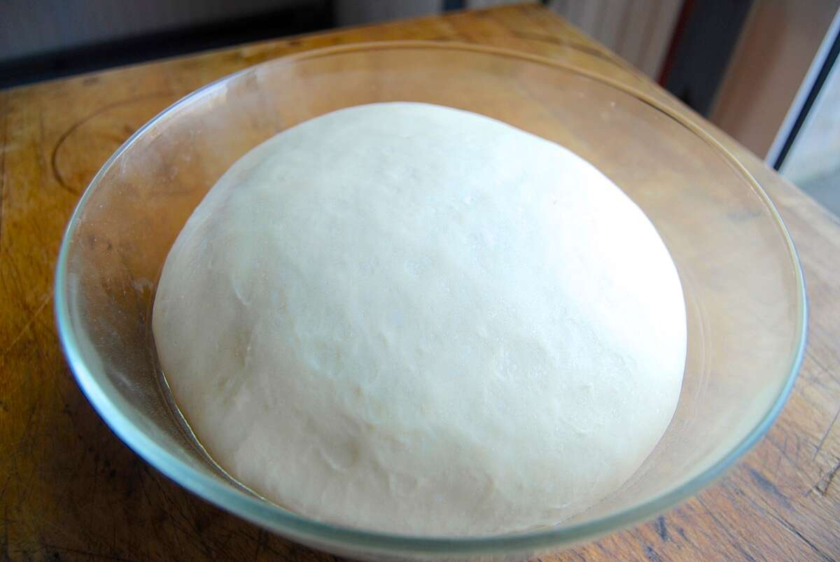 How to make Pizza Party Buns. Bakealong via @kingarthurflour