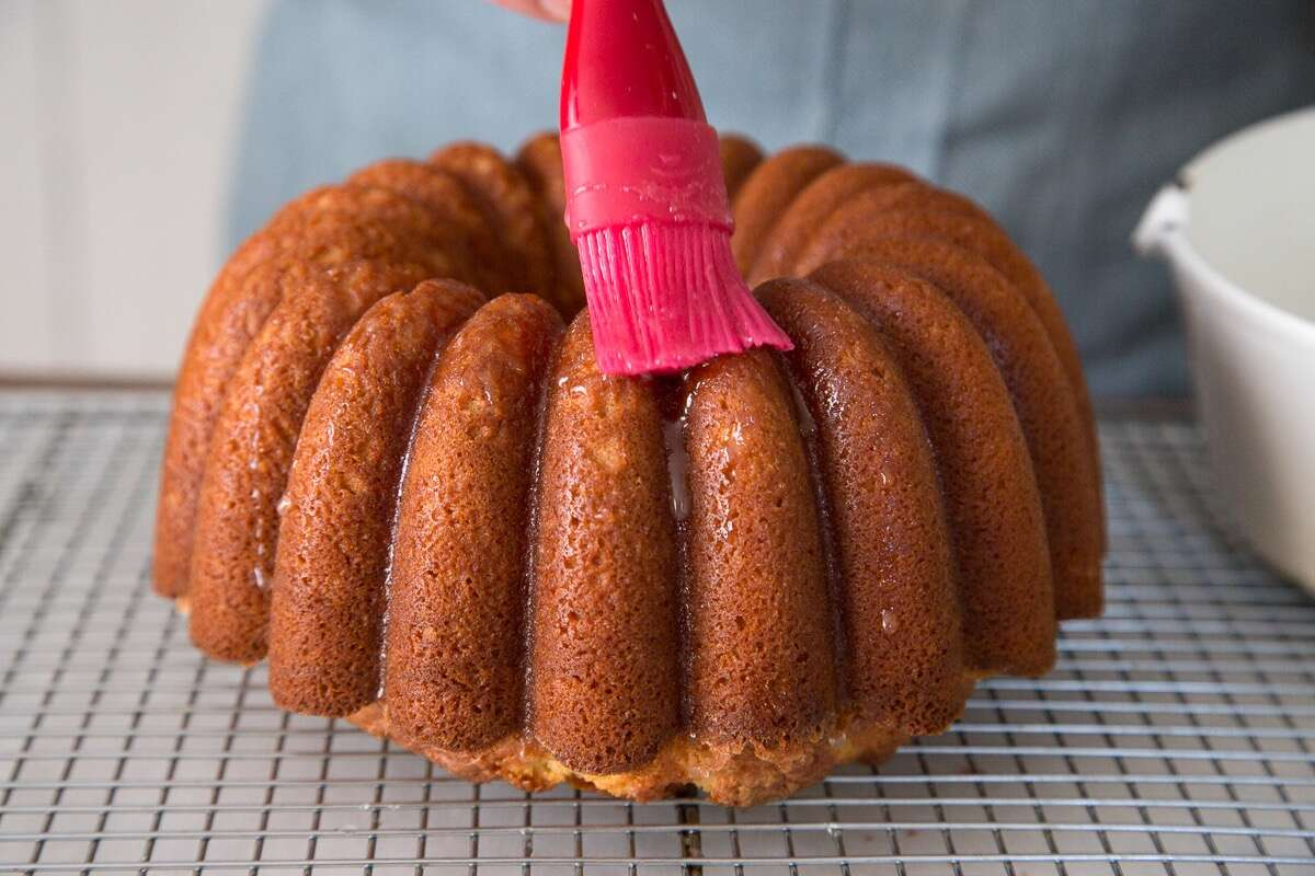 How-To-Make-Lemon-Bundt-Cake via @kingarthurflour