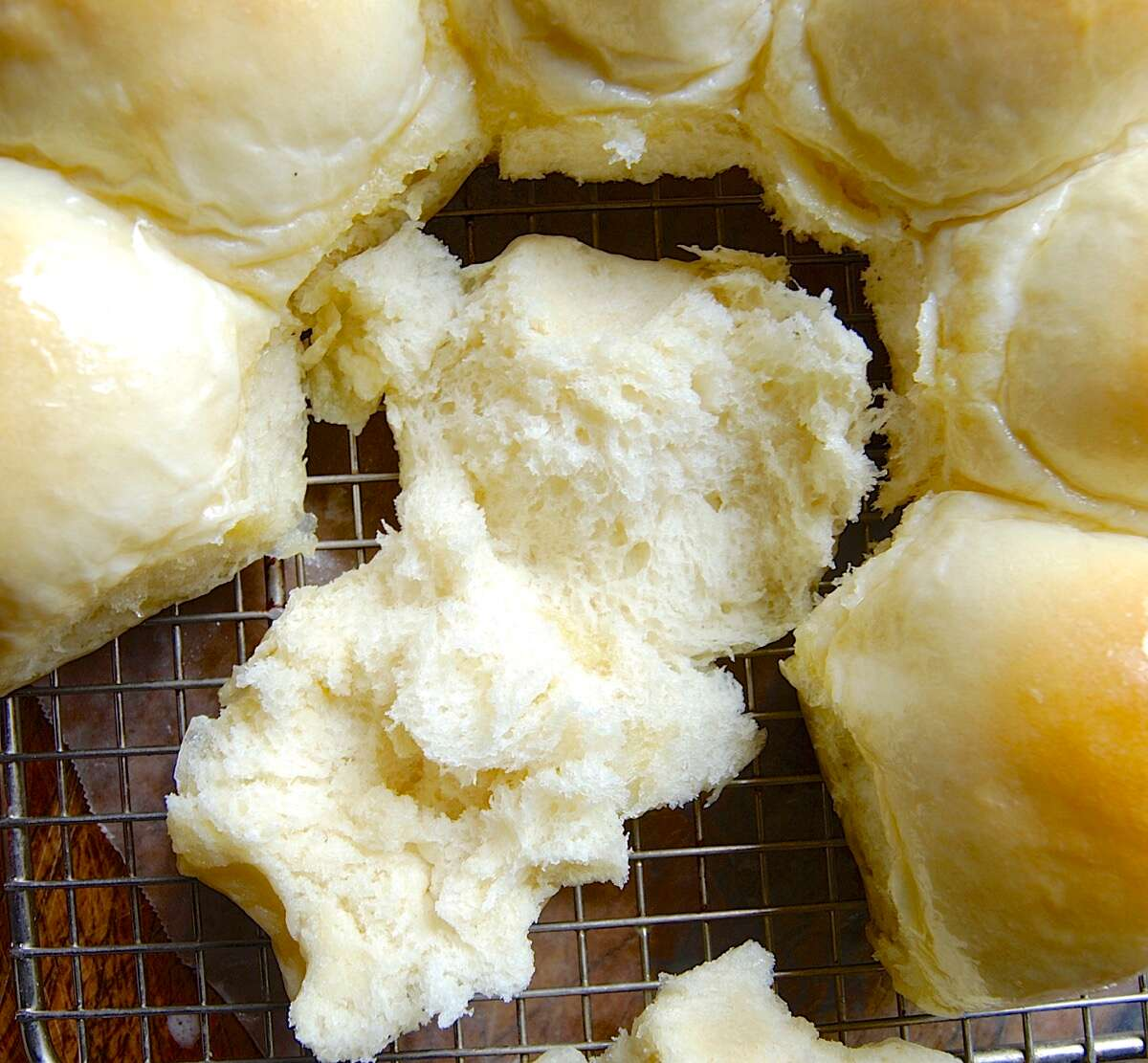 Using a Thermometer with Yeast Bread via @kingarthurflour