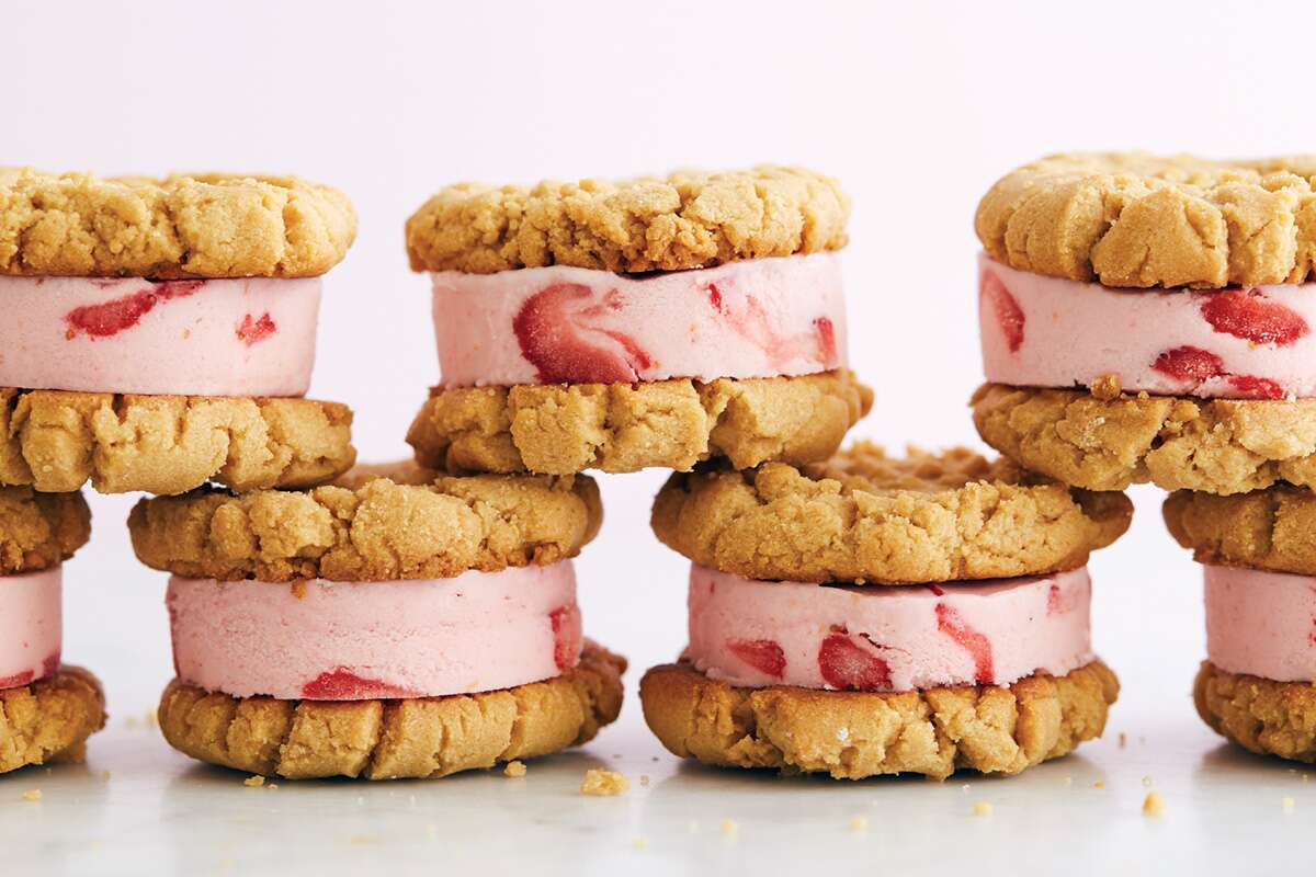 PB&J Ice cream sandwiches via @kingarthurflour