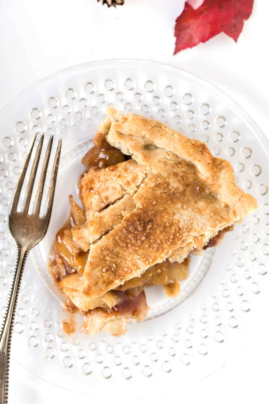 Classic Gluten-Free Double Pie Crust with an Apple Filling via @kingarthurflour