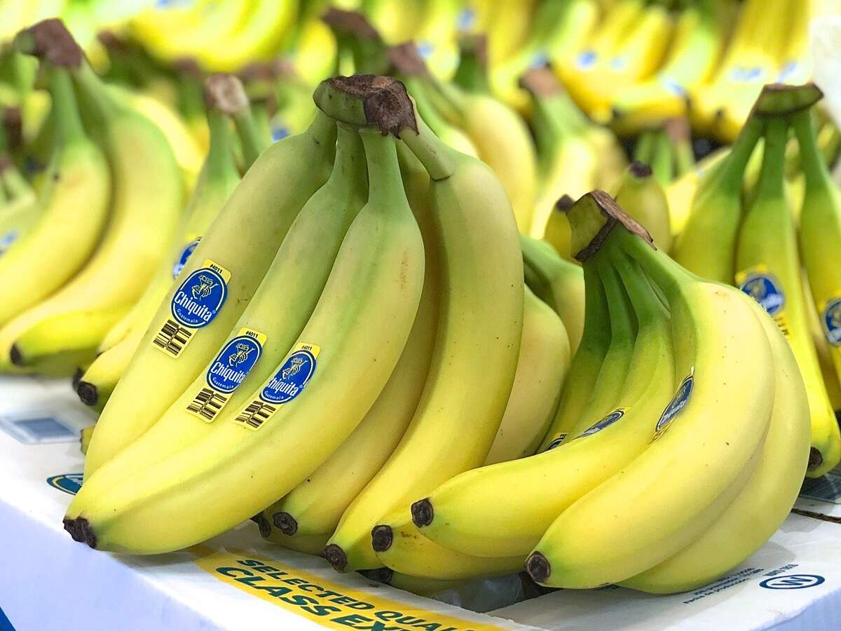 Best Bananas for Banana Bread via @kingarthurflour