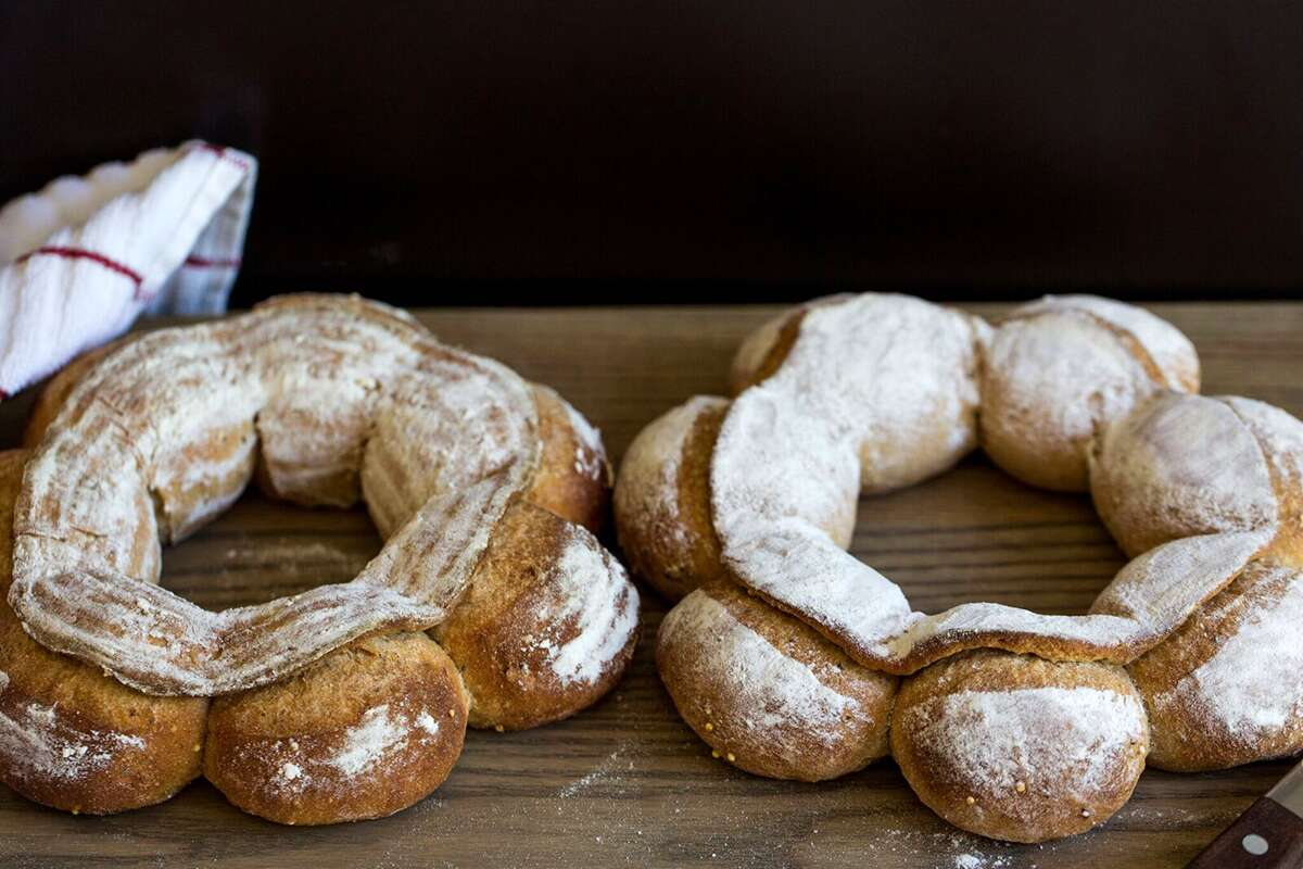 How to Shape a Couronne via @kingarthurflour