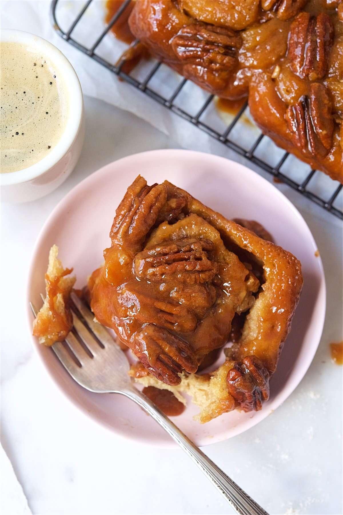 Comment faire cuire des petits pains collants via @kingarthurflour