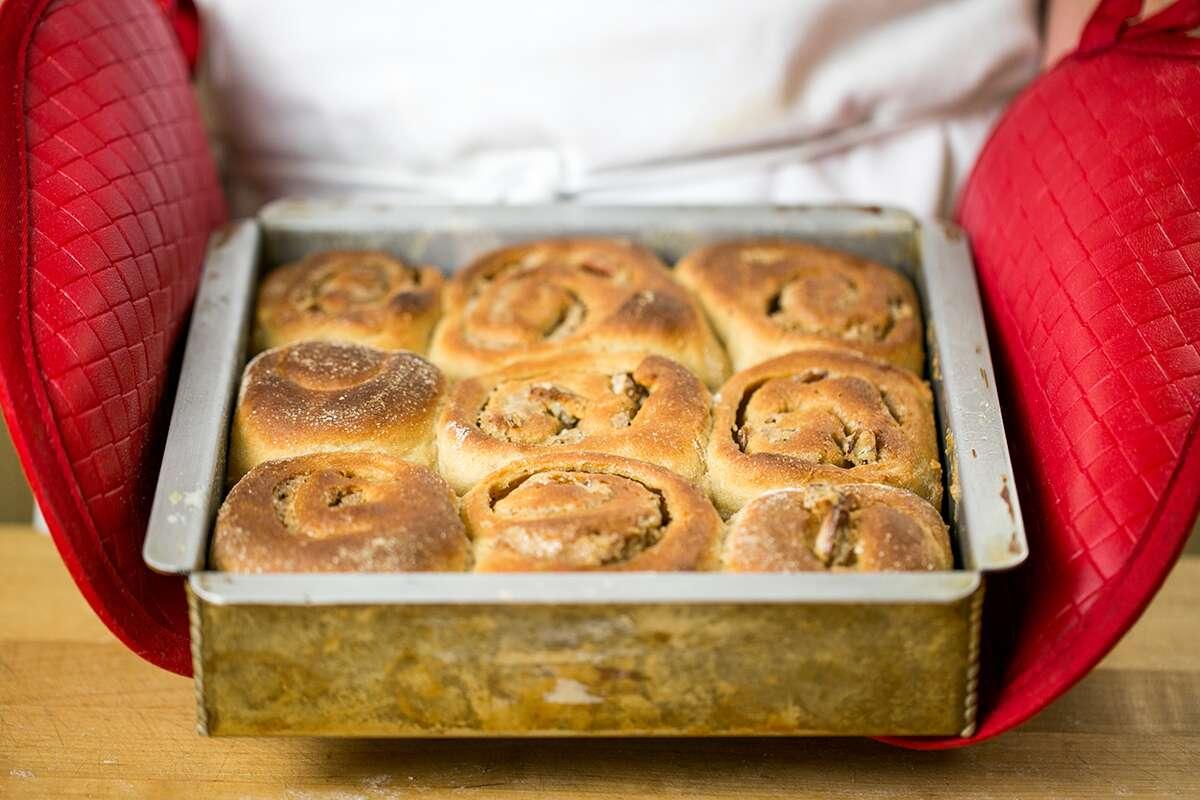Comment faire des petits pains collants via @kingarthurflour