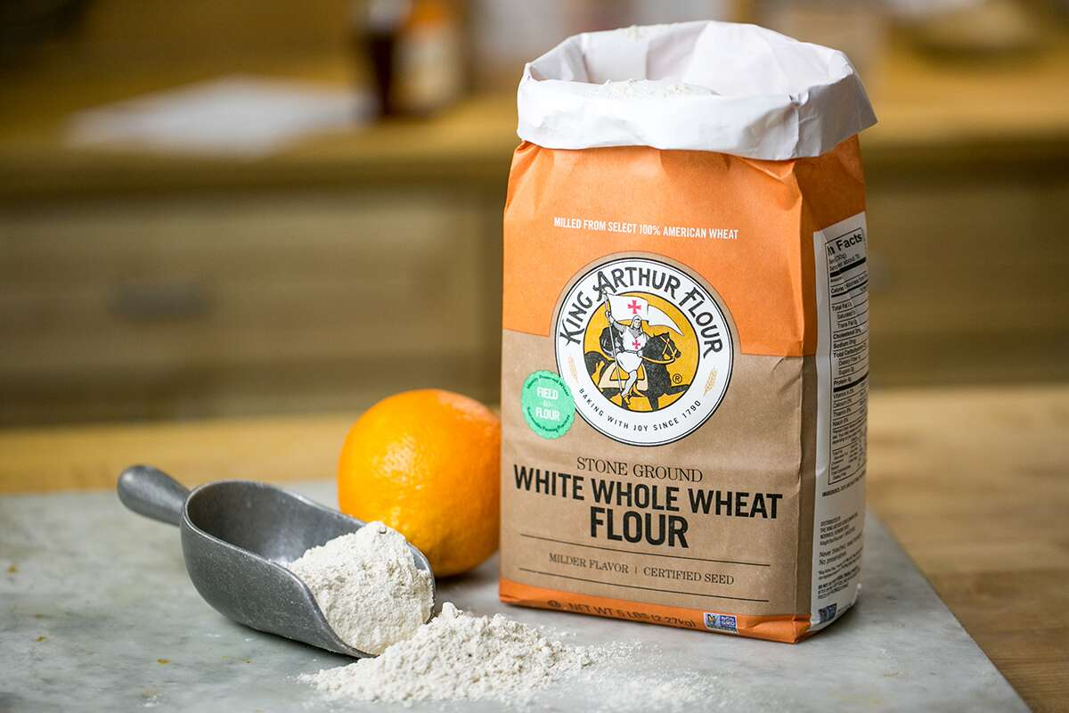 Farine de blé entier blanche via @kingarthurflour