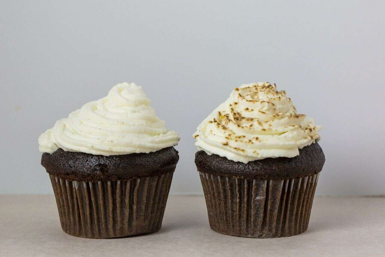 best-cake-frosting-for-hot-weather via @kingarthurflour