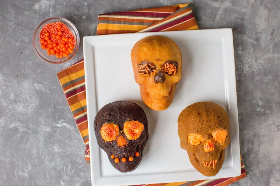 How to make Halloween Skull Cakes via @kingarthurflour
