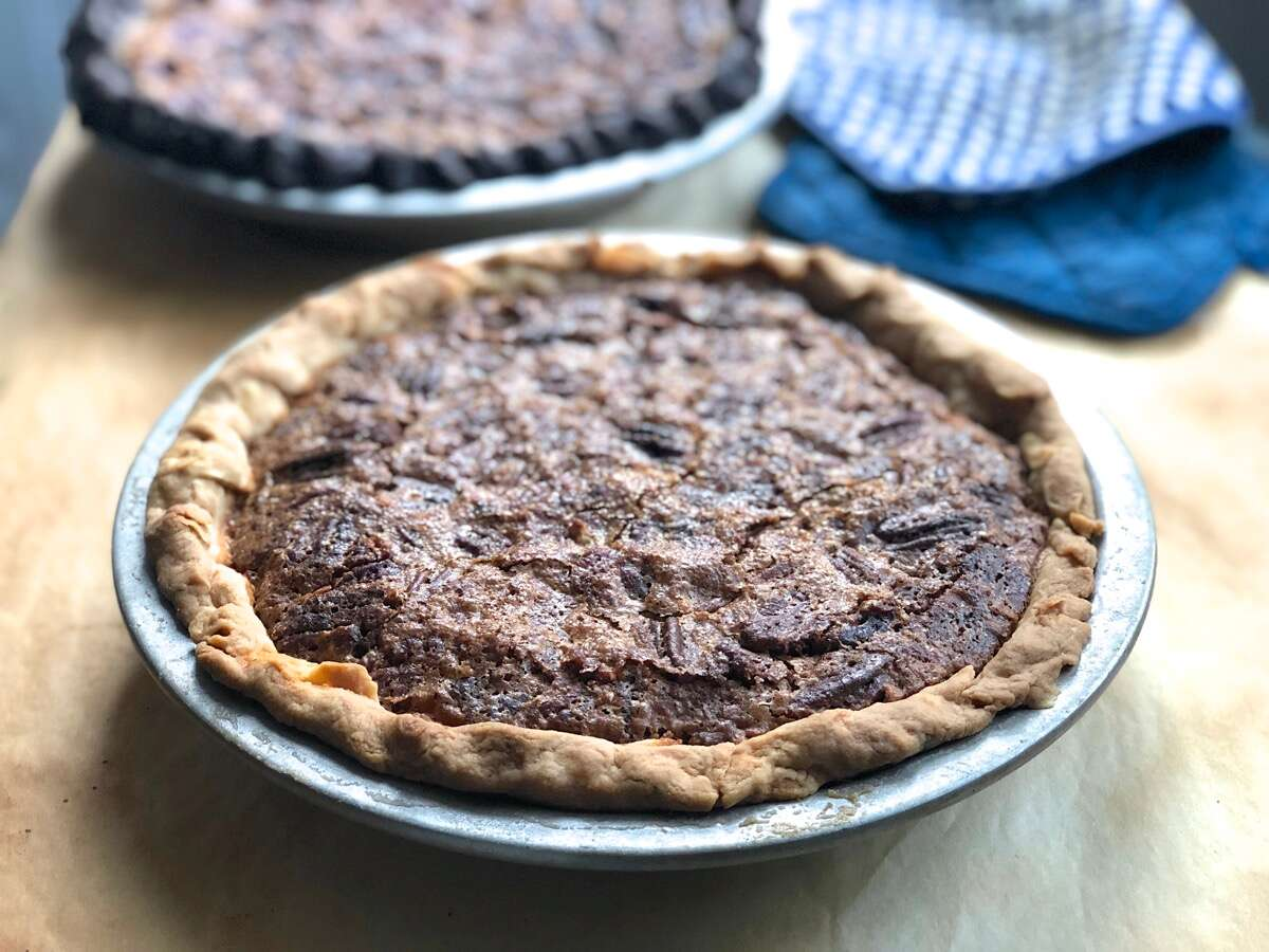 Holiday pecan pie via @kingarthurflour