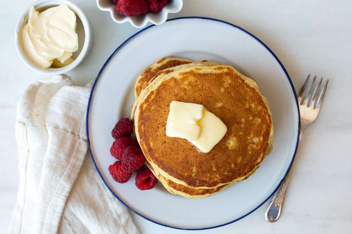 How to make decadent and buttery pancakes via @kingarthurflour