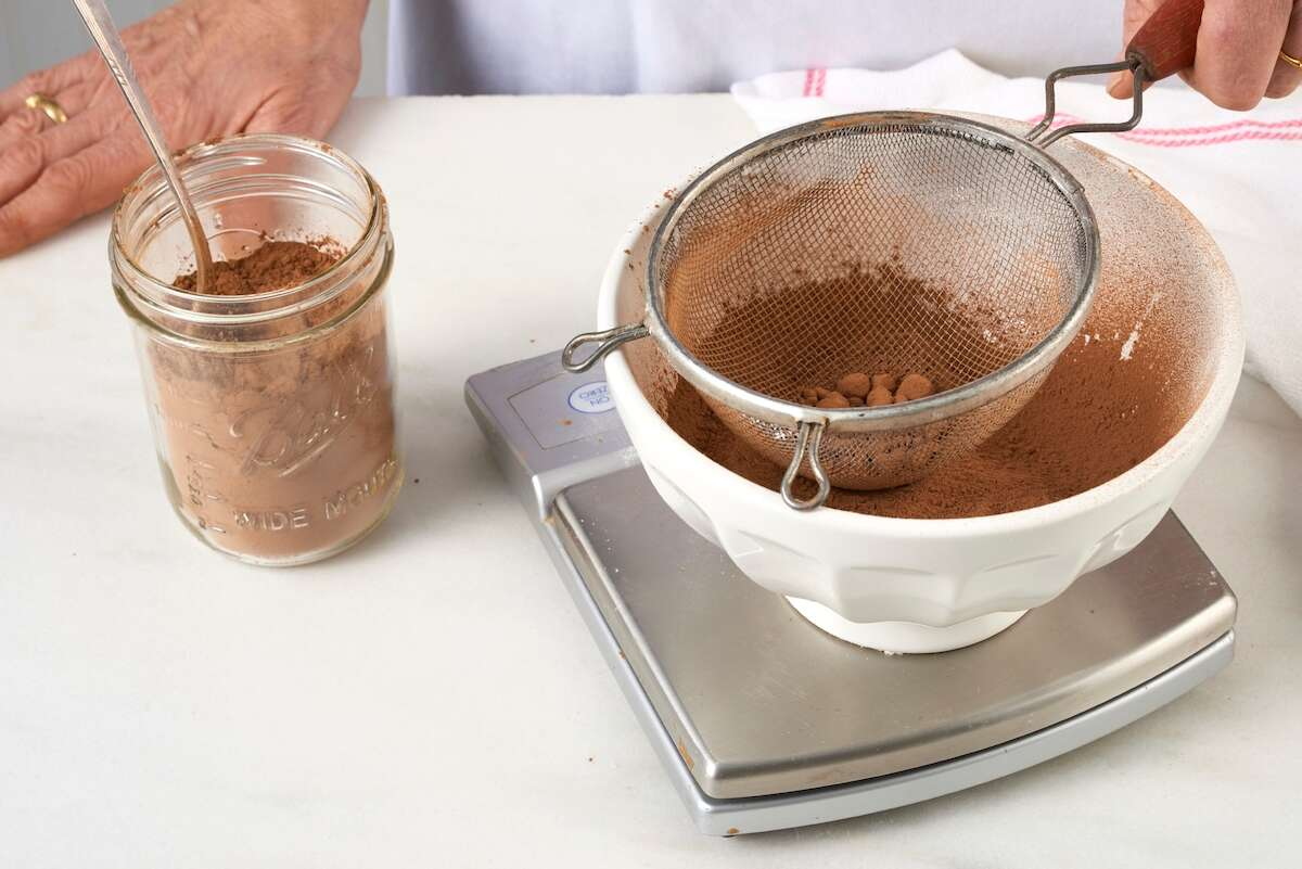 Chocolate Frosting via @kingarthurflour