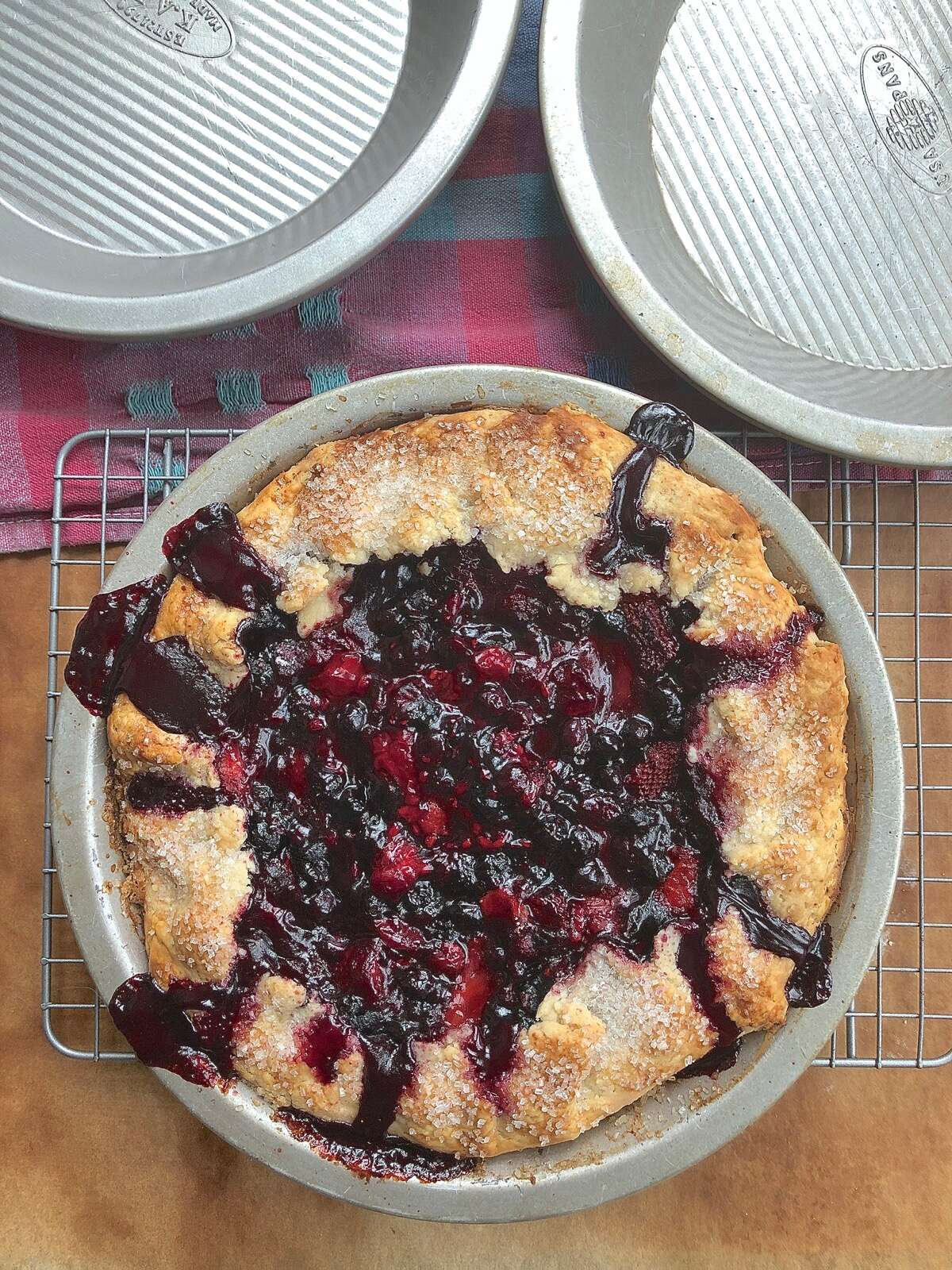 The best pie pan via @kingarthurflour