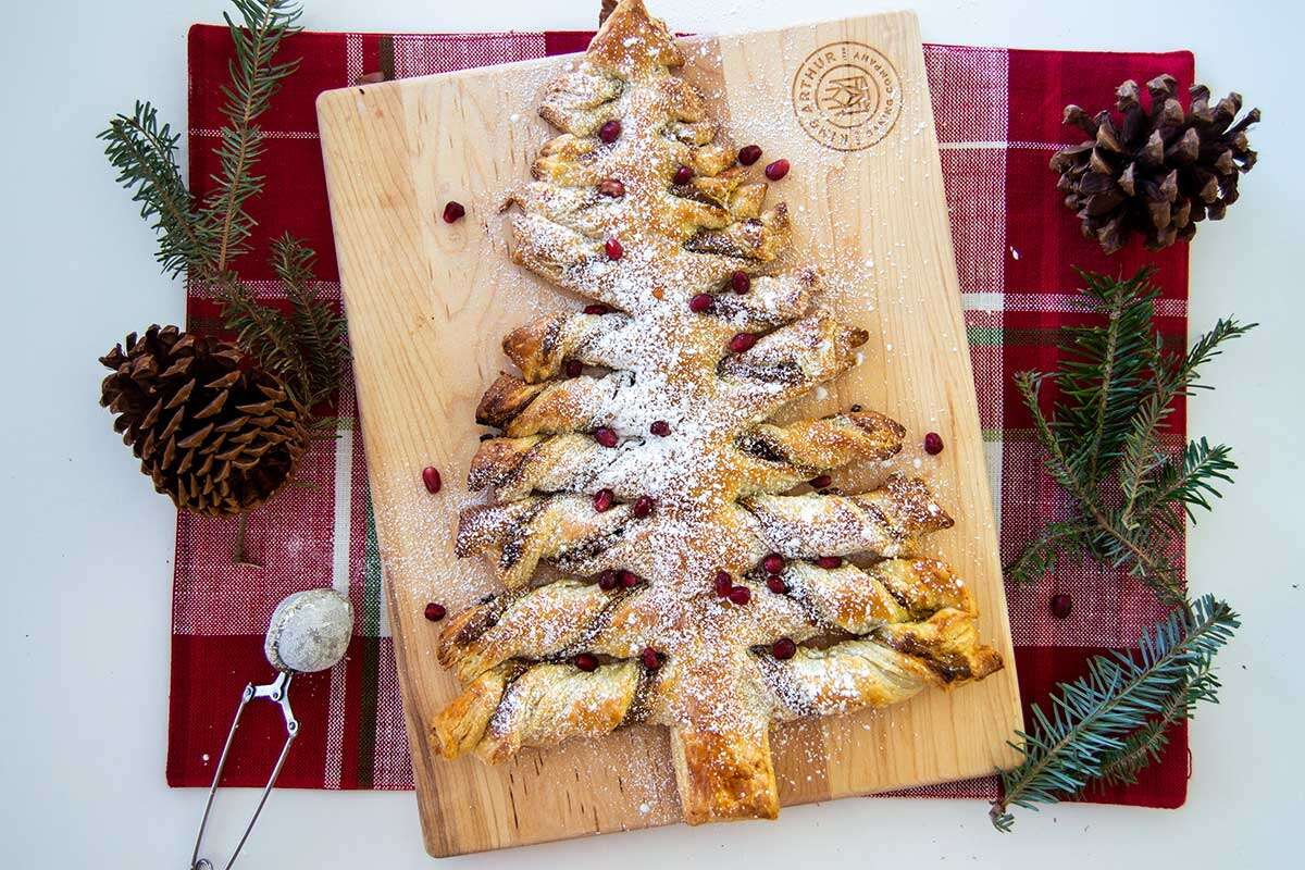 Puff pastry in Christmas tree shape