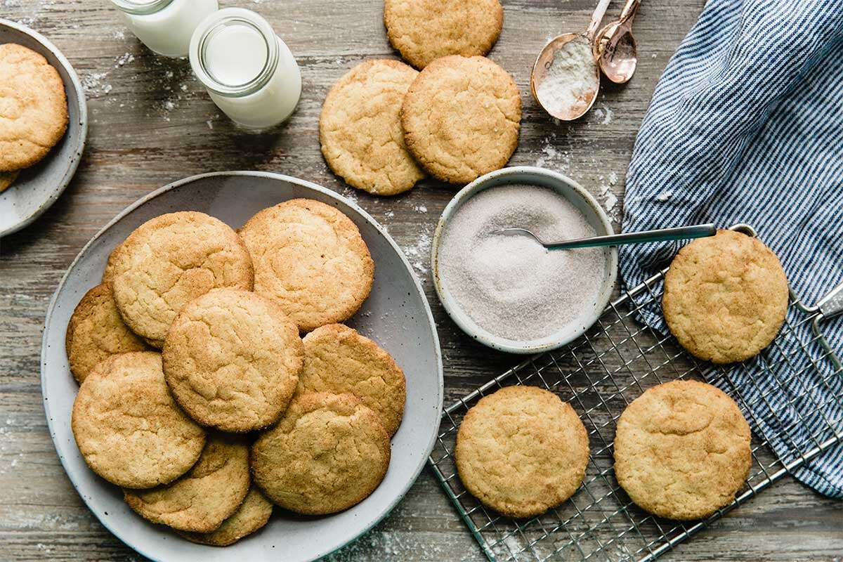 A platter of cinnamon-sugar coated snickerdoodles
