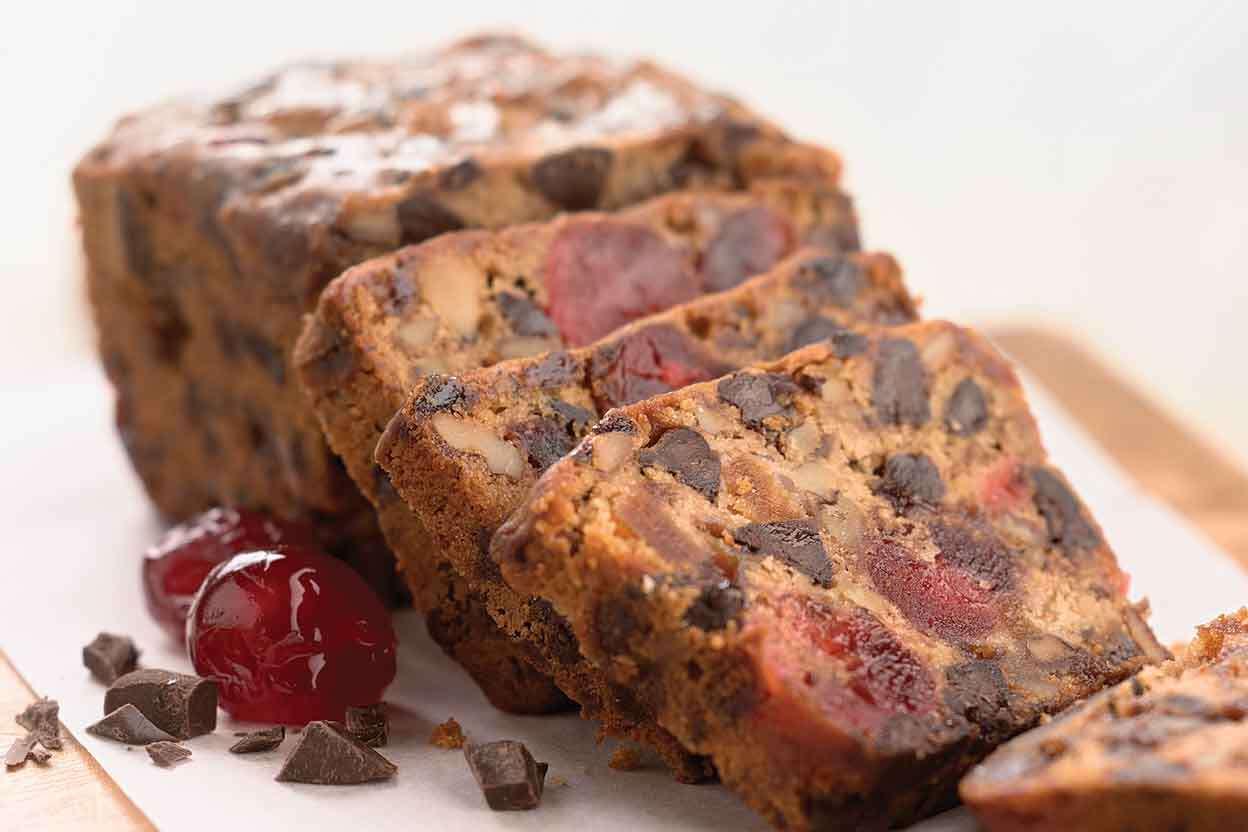 Christmas Fruit Cake Recipe With Brandy.Chocolate Cherry Berry Fruitcake
