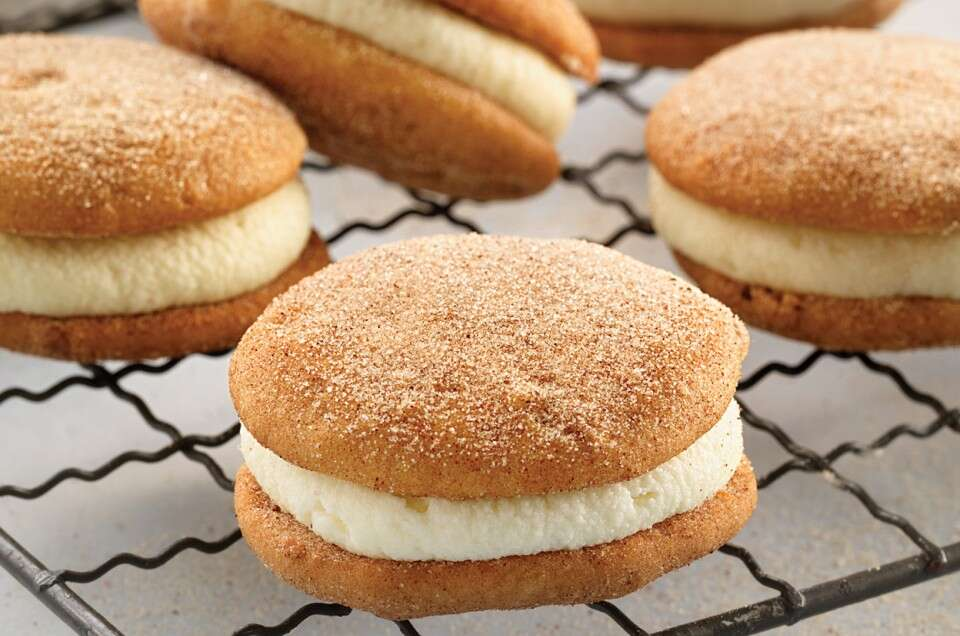 Mini Snickerdoodle Whoopie Pies