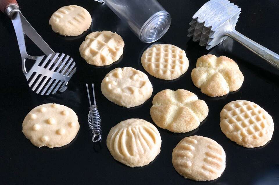 Imprinted drop cookies and tools