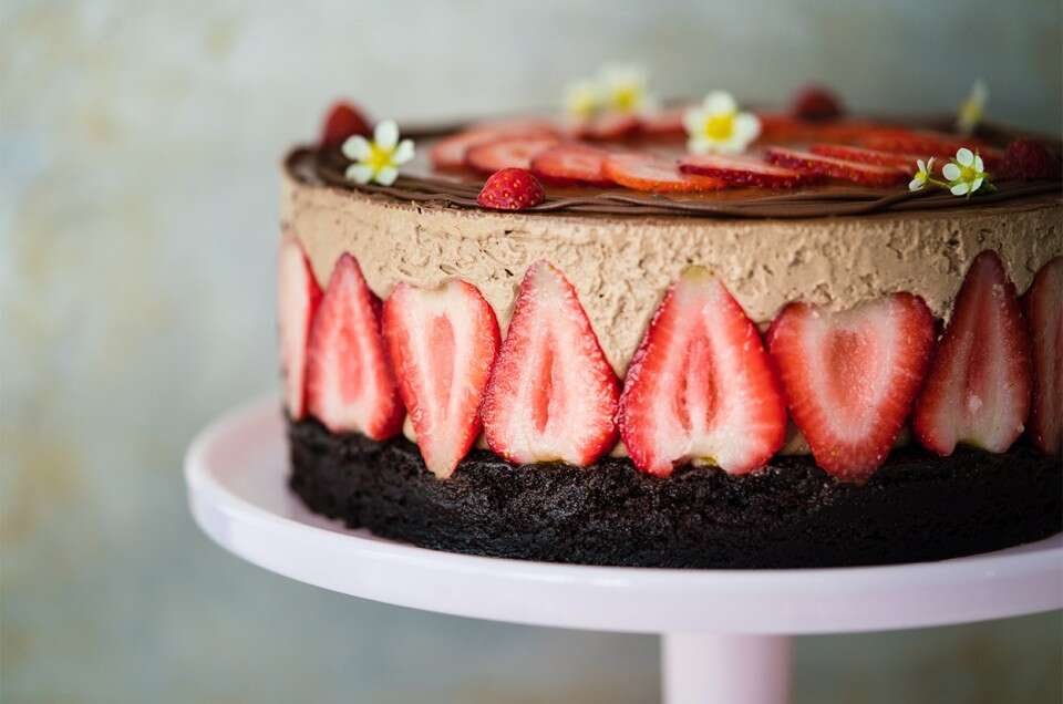 Chocolate and Strawberry Cream Puff Cake - select to zoom