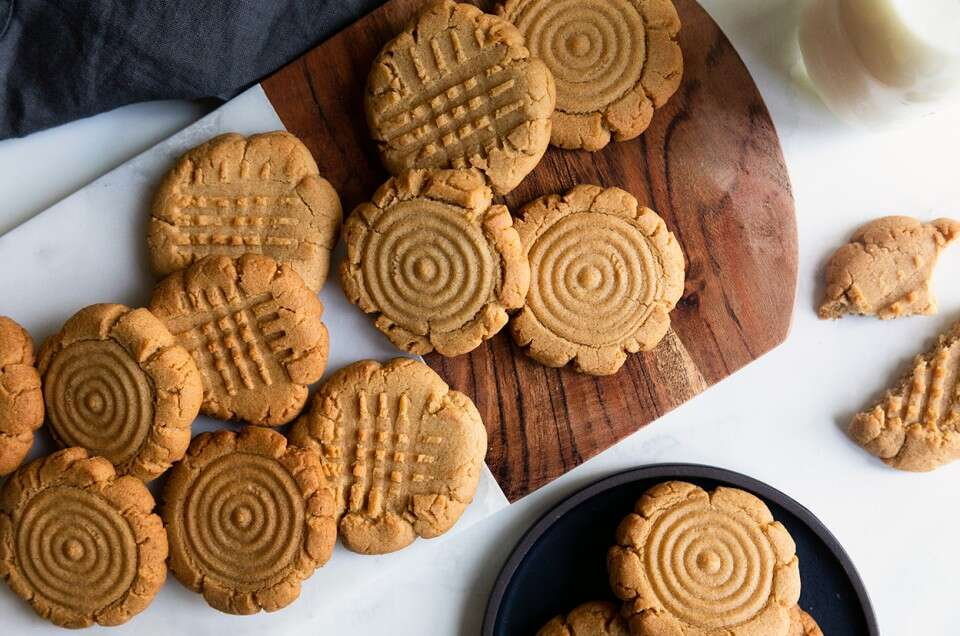 Gluten-Free Classic Peanut Butter Cookies - select to zoom