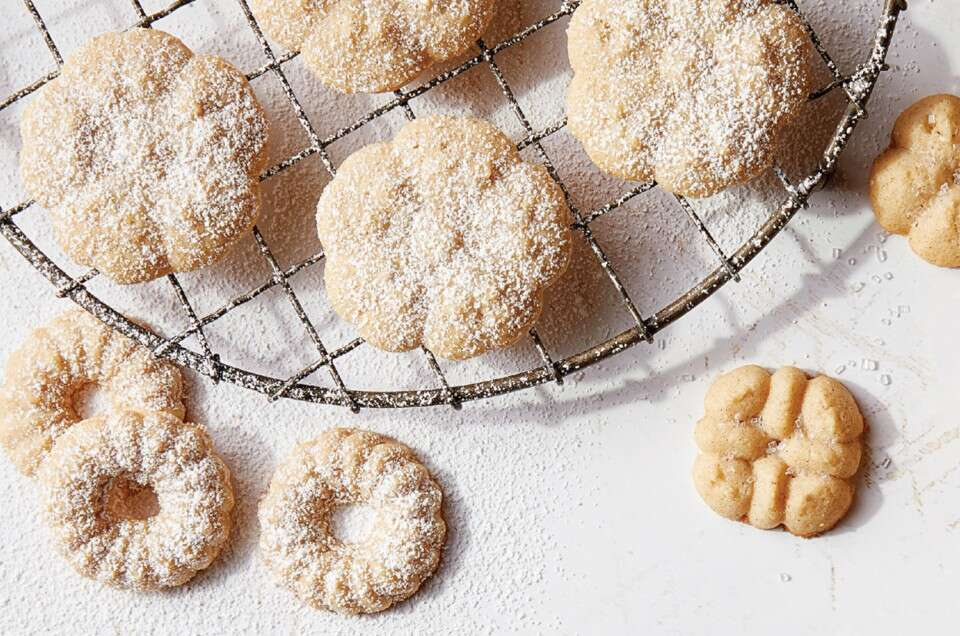 Cider-Cinnamon Spritz Cookies - select to zoom