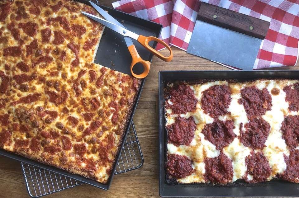 A pair of pan pizza recipes via @kingarthurflour