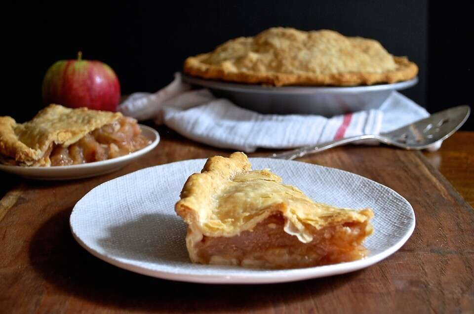 Apple pie via @kingarthurflour