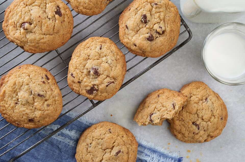 Cookie Science via @kingarthurflour