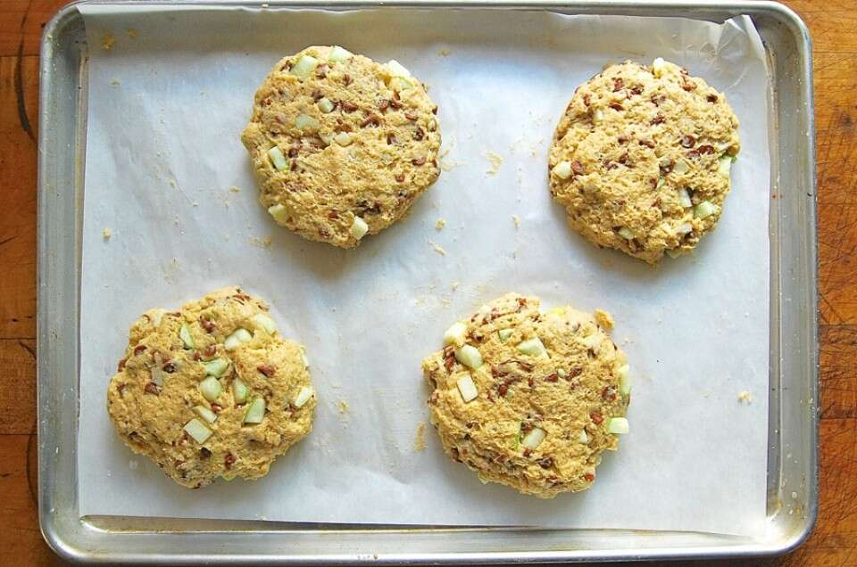 An Easy Way To Shape Scones via @kingarthurflour