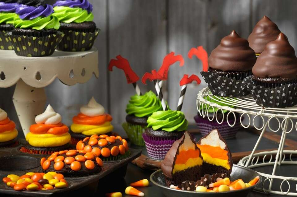 HalloweenCupcakes via @kingarthurflour