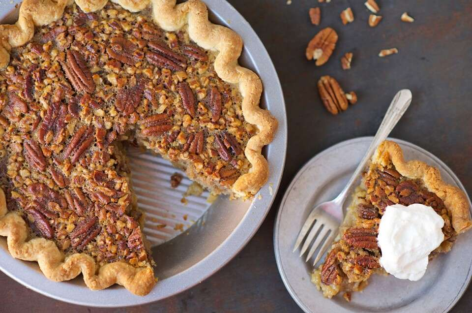 Perfect Thanksgiving Pies via @kingarthurflour