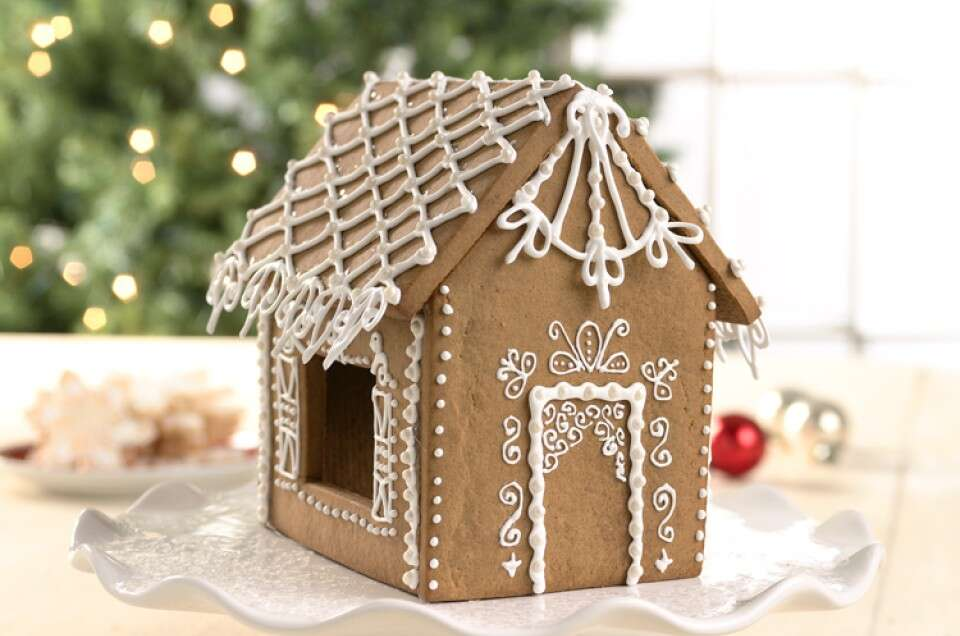 Decorating with royal icing