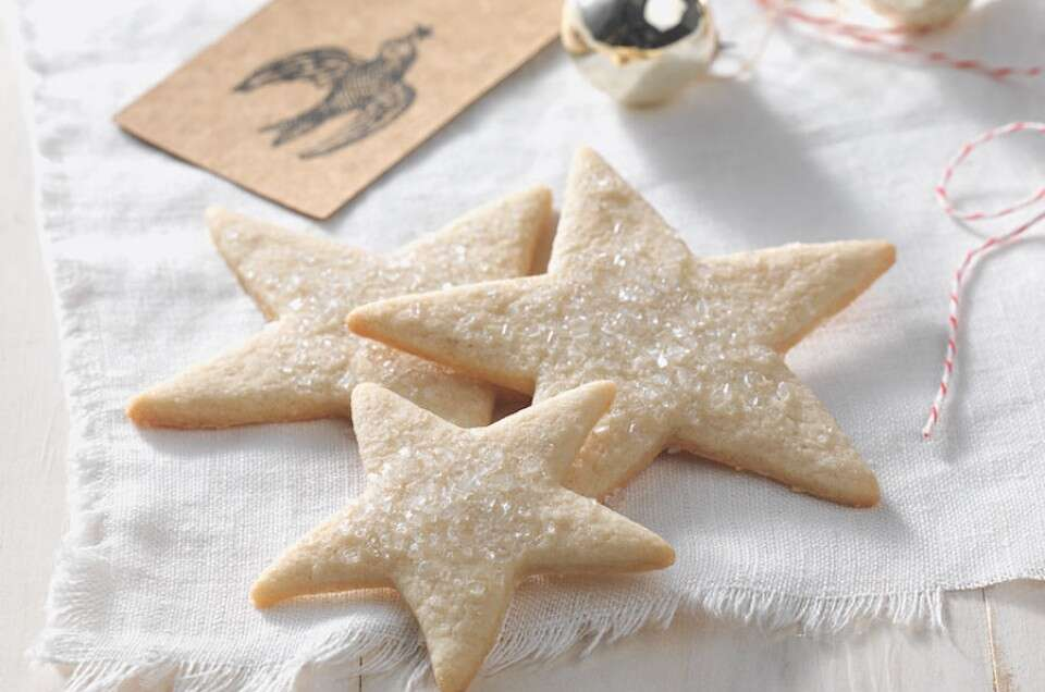 The best Gluten-Free Sugar Cookies using @kingarthurflour's gluten-free sugar cookie mix!